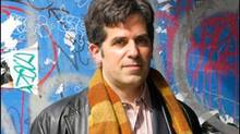 Jonathan Lethem's Dissident Gardens is mostly about love: misguided, misdirected and unpredictable love. (wwwjonathanlethem.com)