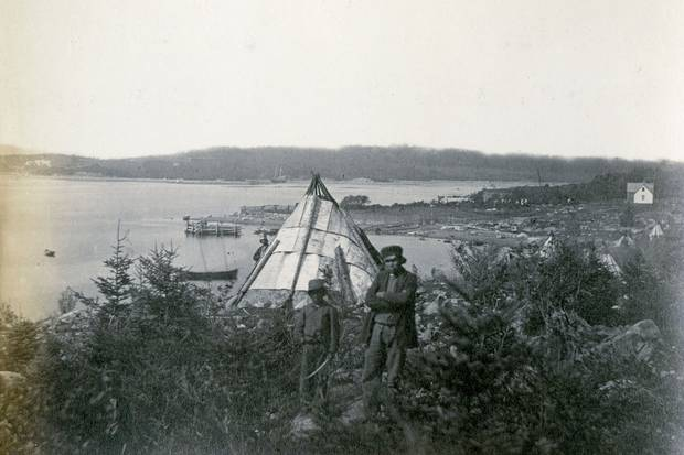 1871: A photograph by Joseph S. Rogers shows the Mi'kmaw at Tuft's Cove. The community, ideal for Mi'kmaw because it was easily accessible by canoe from nearby waterways, was just a short boat ride across from what is now Halifax's north end.