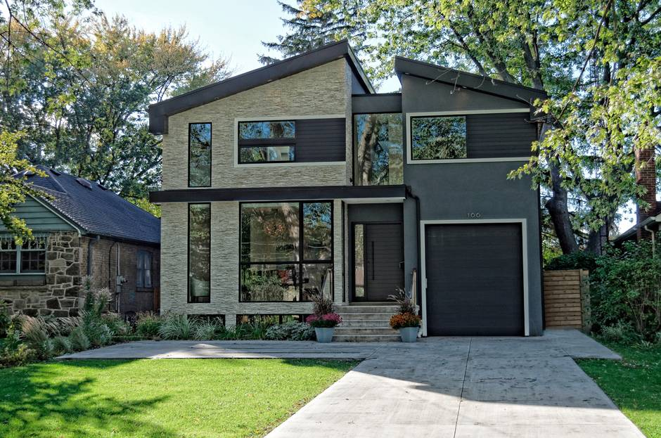 Home of the week a modern house in an old west toronto for Modern house toronto