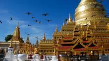The gilded Shwezigon Paya at Bagan.