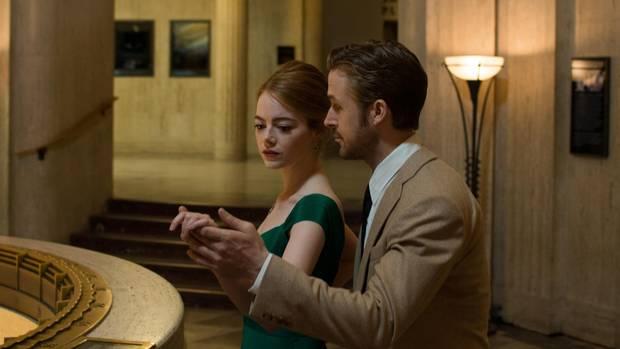 Emma Stone (Mia) and Ryan Gosling (Sebastian) star in La La Land.