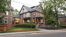 Steven Eisner of Eisner Murray and Bill Dewson of William Dewson Architects revamped the interior of a 1880s Victorian house in Rosedale. (William Dewson Architects)
