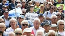 Nortel pensioners rallied at Queen?s Park last September to protest the handling of their pension funds after the company filed for bankruptcy protection. (Darren Calabrese/The Canadian Press/Darren Calabrese/The Canadian Press)