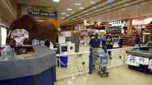 The interior of a Nakumatt mega store is seen in Nairobi, May 26, 2007. (SAYYID AZIM/AP)