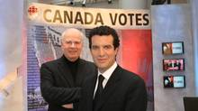 Peter Mansbridge and Rick Mercer during CBC election coverage, 2006. (Hand-Out/CNW Group)