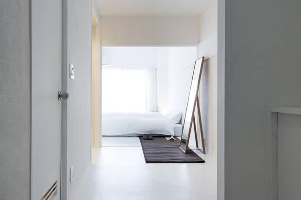 Roam Tokyo White Room Entrance