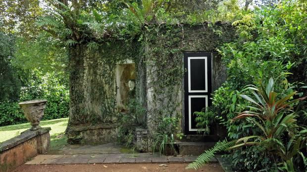 Geoffrey Bawa's estate in Bentota incorporates the wild atmosphere around his buildings into his design.