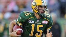 Edmonton Eskimos quarterback Ricky Ray runs the ball during the first half of their CFL football game against the Winnipeg Blue Bombers in Edmonton, Alberta October 15, 2011. REUTERS/Todd Korol (Todd Korol/Reuters)