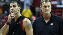 Canada's Carl English and head coach Leo Rautins react in the closing minutes of their game with Puerto Rico in the FIBA Americas regional qualifying basketball tournament in Las Vegas. (LUCY NICHOLSON/Reuters)