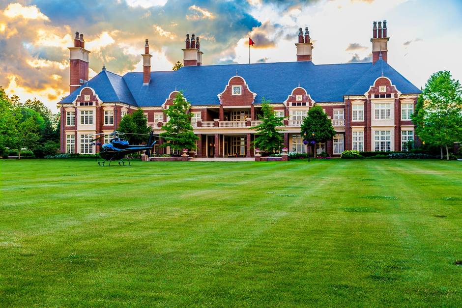 Home Of The Week 65 Million Lakeside Mansion Replicates Jacobean