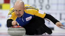 Alberta skip Kevin Koe advanced to the Dominion All-Star Curling Skins final after defeating Jeff Stoughton on Saturday afternoon in Rama, Ont. (file photo). (JONATHAN HAYWARD/THE CANADIAN PRESS)