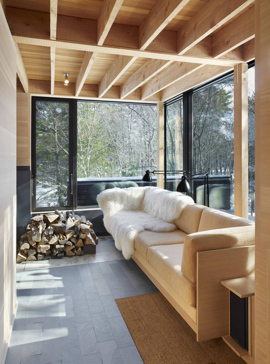 At this Ontario cottage, you are in an architect's hands, but nature is in charge