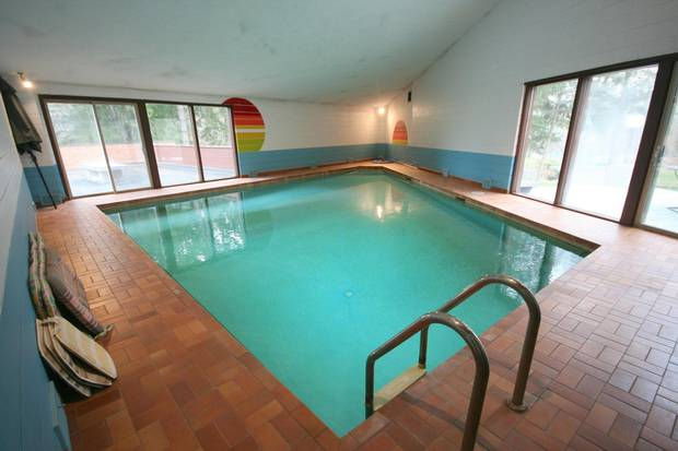 Sundial House, King City, Ont. Indoor pool.