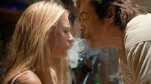 Blake Lively and Benicio Del Toro in Savages (Photo Credit: Francois Duhamel)