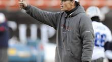 Montreal Alouettes head coach Marc Trestman gives out instructions during the team's practice for the CFL's 98th Grey Cup football game in Edmonton, Alberta, November 26, 2010. (TODD KOROL/REUTERS)