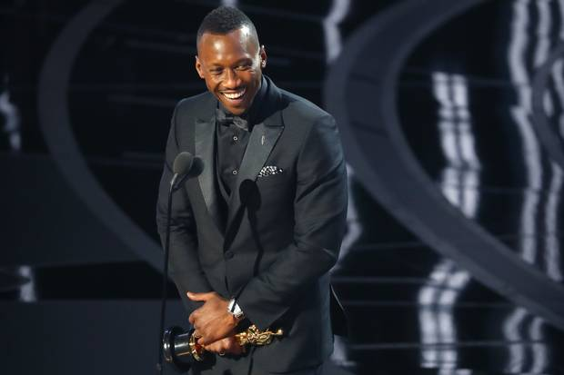 Best Supporting Actor winner Mahershala Ali accepts his award.
