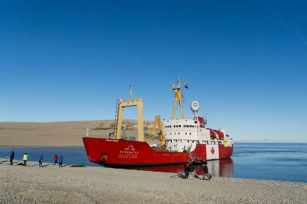The Canada C3 vessel goes ashore at Sutton Island.