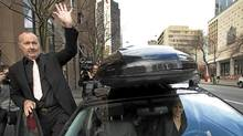 U.S. actor Randy Quaid waves to well wishers as he departs Canada Immigration Court with his wife Evi (R) in Vancouver, British Columbia November 8, 2010. Quaid has applied for asylum in Canada. (Andy Clark/Reuters/Andy Clark/Reuters)