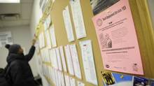 One in four recent university grads in Canada who were working in 2005 were underutilized, or working in jobs that required lower skills, a report by the CGA says. (Kevin Van Paassen/THE GLOBE AND MAIL)