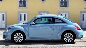 <p>2013 Volkswagen Beetle</p>