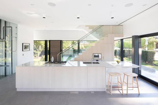 Architect Tony Robins designed the kitchen island.