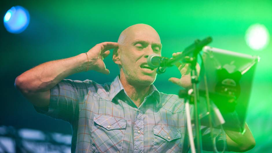 Alzheimer's diagnosis takes centre stage for Spirit of the West frontman