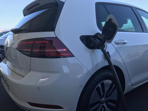 2017 VW eGolf recharging.