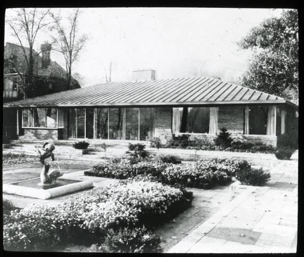 The Hobbs Sun House, Rosedale, Toronto. Rear elevation. Historical photos, c. 1945.