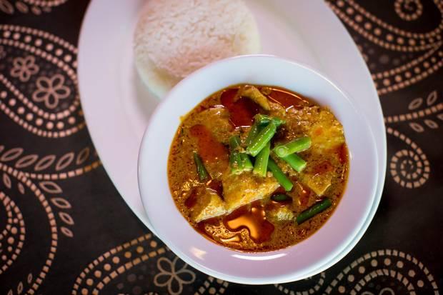 Kari chicken with rice.