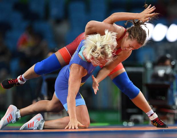 Canada's Dori Yeats, right, wrestles Sweden's Anna Jenny Fransson in the women's freestyle 69kg bronze medal match at the 2016 Olympic Summer Games in Rio de Janeiro, Brazil on Wednesday, Aug. 17, 2016. Yeats was defeated by Fransson.