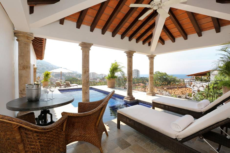 Casa Kimberly Offers Old Hollywood Glamour In Puerto
