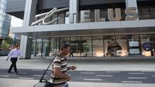 Telus store at 25 York st. in downtown Toronto. July 15, 2013. (Gloria Nieto/The Globe and Mail)