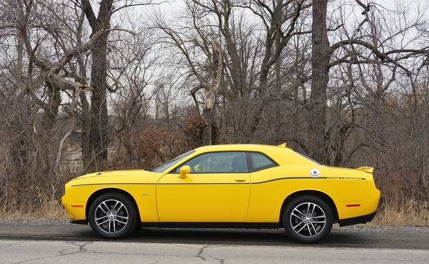 Review Winter Weather No Obstacle For 2018 Dodge Challenger Gt Awd