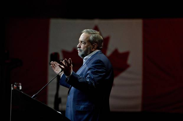Federal NDP Leader Tom Mulcair makes a speech during the 2016 party convention in Edmonton April 10, 2016.