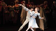 Guillaume Côté and Elena Lobsanova in Romeo and Juliet (Bruce Zinger)