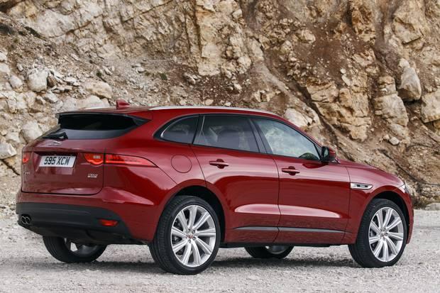 2017-Jaguar-F-Pace-First-Edition