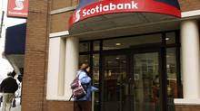 A customer walks into the Scotiabank on Spring Garden road in Halifax, Nova Scotia, March 3, 2009. (PAUL DARROW/PAUL DARROW/REUTERS)