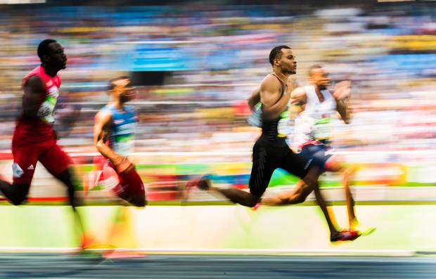 Canada's Andre De Grasse, second from right, races in his 200m heat at the Olympic summer games in Rio de Janeiro, Brazil, Tuesday August 16, 2016.