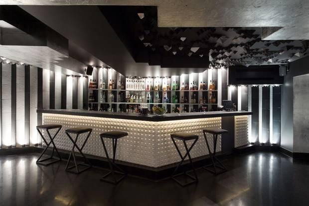 The bar at Jules Basement.