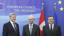 Prime Minister Stephen Harper poses with European Council President Herman Van Rompuy and EU Commission President Jose Manuel Barroso at the EU Council in Brussels May 5, 2010. (� Francois Lenoir / Reuters/REUTERS)