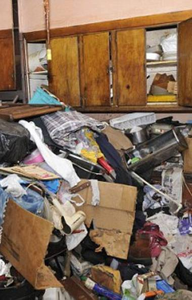 REALITY: Hoarding: Buried Alive (TLC, 7 p.m. ET; 4 p.m. PT) It seems there is no shortage of hoarders in America. Now in its fifth season, this highly-rated series profiling people literally buried by junk in their own houses is forever wading into new piles of horrific clutter. Tonight's first episode introduces viewers to Jeff, who refuses to admit he's a hoarder despite the fact his home has garbage piled to the ceiling. In the same show, we meet Debbie, who credits her chronic hoarding (and single status) to having OCD. In the second show, the compulsive collector Michael has six weeks to clean up his house or he's going to jail. In each instance, the hoarders get their lives in order with assistance of professional counselling.