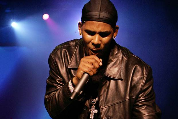 R&B singer R. Kelly performs at New York's Radio City Music Hall on April 18, 2006.