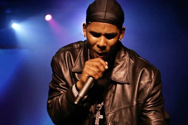R&B singer R. Kelly performs at New York's Radio City Music Hall on April 18, 2006.