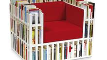 A chair that's also a book shelf (Bibliochaise)